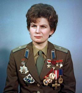 La Soviétique Valentina Terechkova est la première femme à avoir volé dans l'espace en 1963